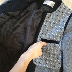 Bloomingdale's Jackets & Coats - Donna Sui Grey Black Tweed Fitted Blazer